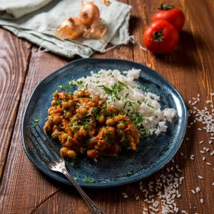 chickpea curry with white rice