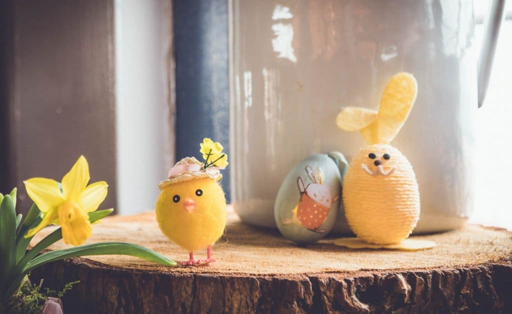 vegan easter - decorative chicks and bunnies